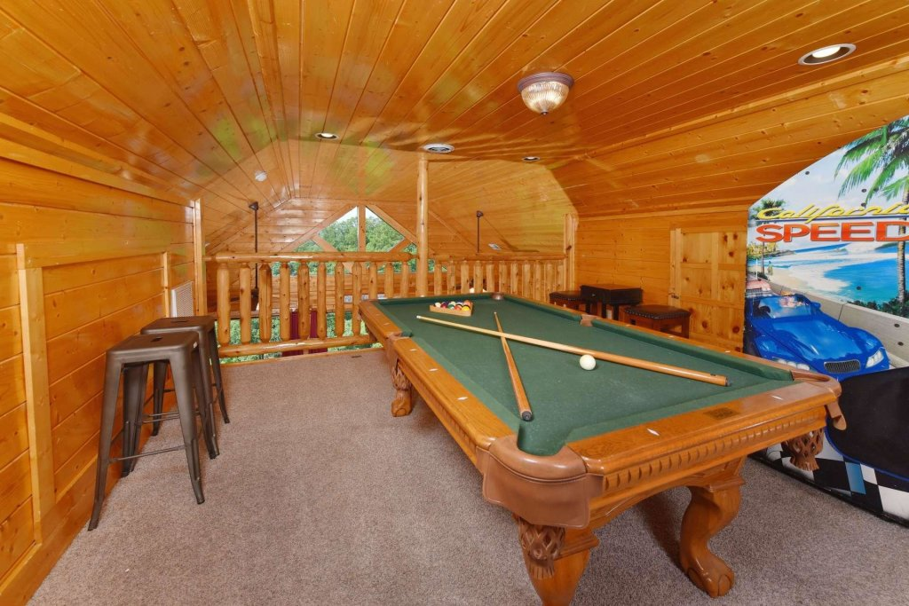 Photo of a Pigeon Forge Cabin named April Mist - This is the fifth photo in the set.