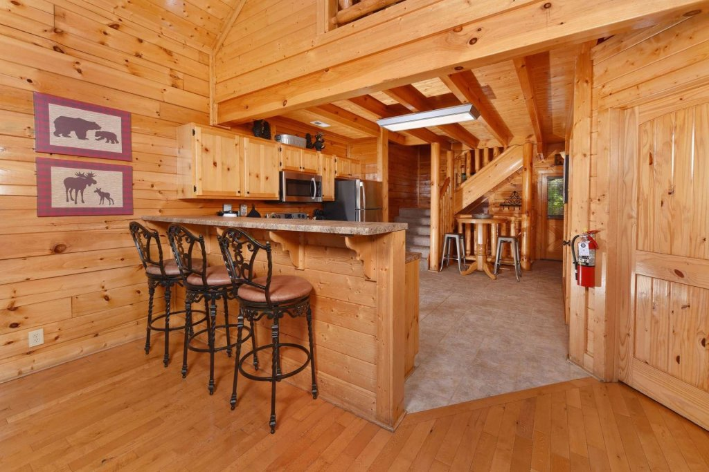 Photo of a Pigeon Forge Cabin named April Mist - This is the fifteenth photo in the set.