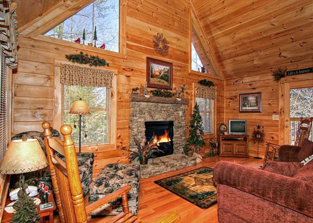Photo of a Pigeon Forge Cabin named Mystic Mountain - This is the one hundred and eighty-sixth photo in the set.