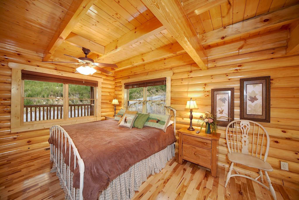 Photo of a Gatlinburg Cabin named Mountain Magic - This is the ninth photo in the set.