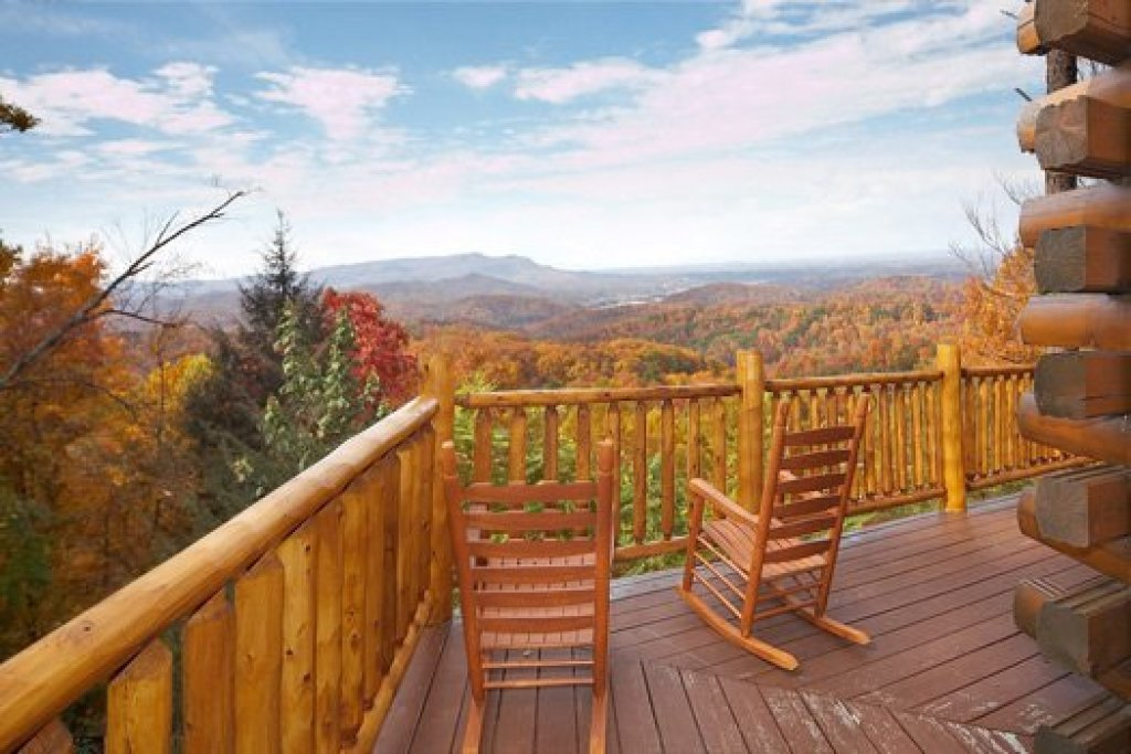 Photo of a Gatlinburg Cabin named The Original American Dream - This is the third photo in the set.
