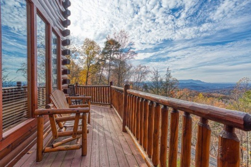 Photo of a Gatlinburg Cabin named The Original American Dream - This is the sixteenth photo in the set.