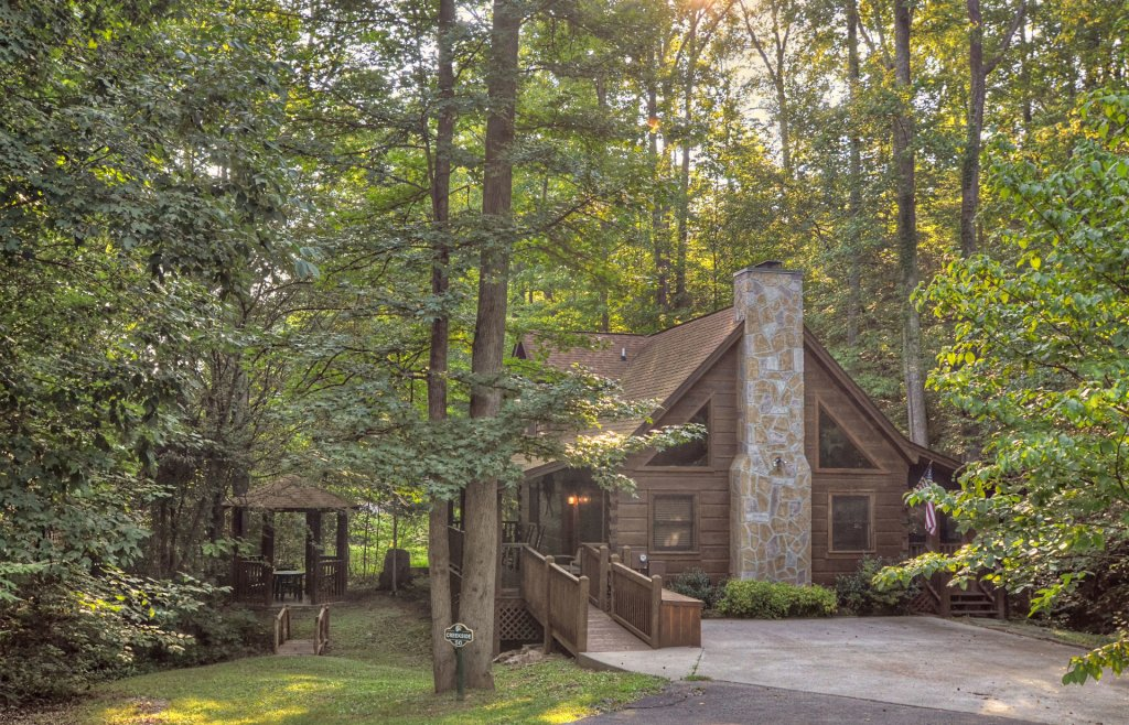 Photo of a Pigeon Forge Cabin named  Creekside - This is the one hundred and thirty-ninth photo in the set.