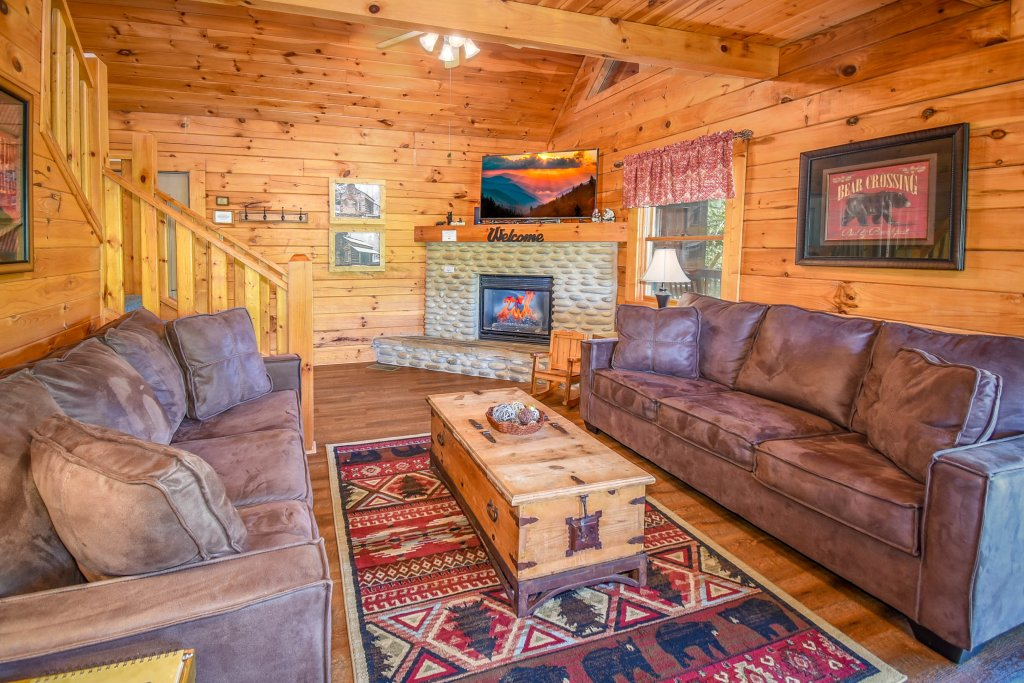 Photo of a Gatlinburg Cabin named Hibernation Station - This is the seventieth photo in the set.