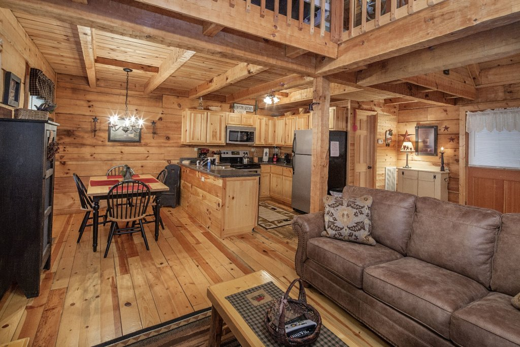 Photo of a Pigeon Forge Condo named  Jalyn's Treehouse - This is the three hundred and thirty-first photo in the set.