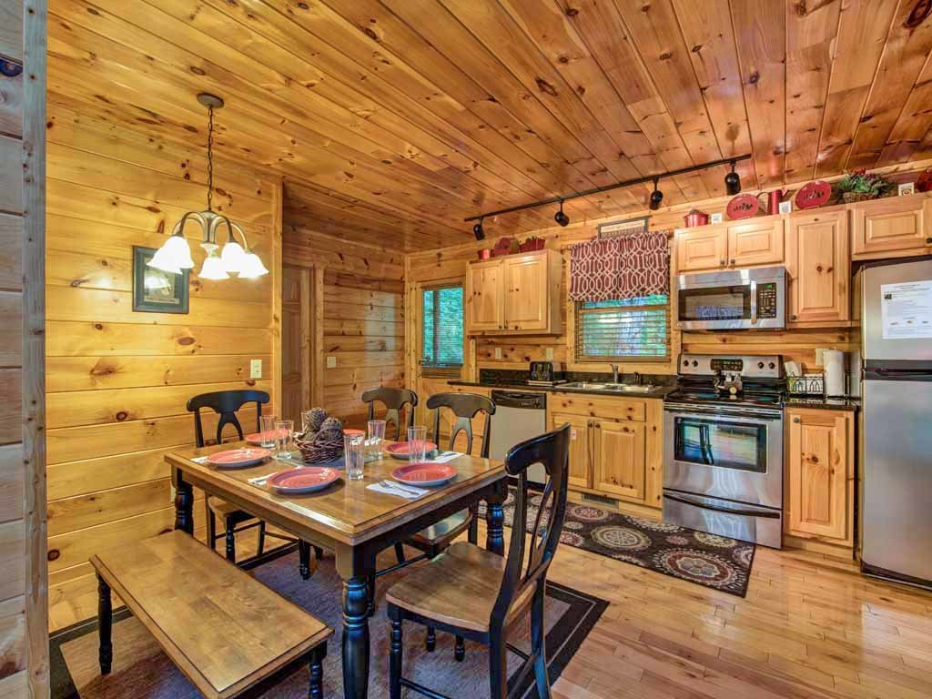 Photo of a Sevierville Cabin named Makin Memories - This is the sixth photo in the set.
