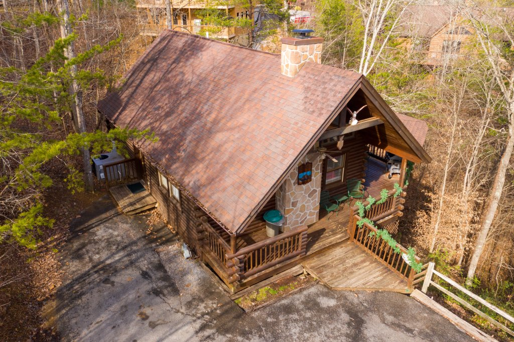 Photo of a Pigeon Forge Cabin named  Fryemont - This is the second photo in the set.