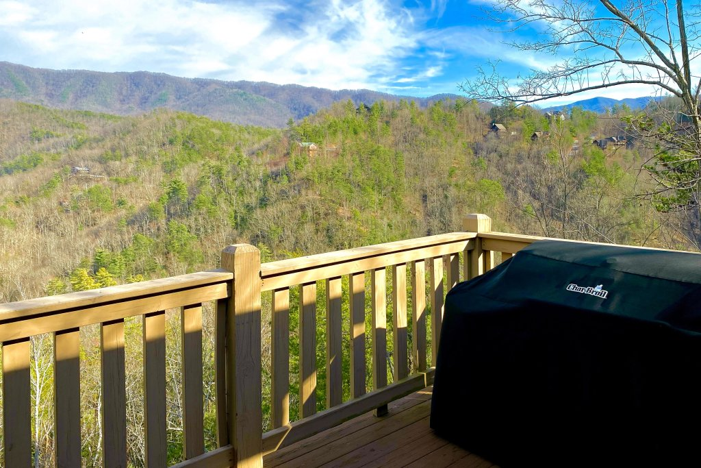 Photo of a Sevierville Cabin named Cove Mountain Retreat Cabin - This is the fifteenth photo in the set.