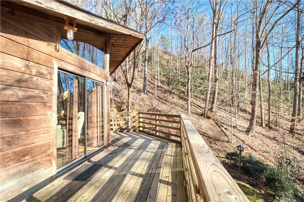 Photo of a Gatlinburg Cabin named Creekside - This is the twenty-fifth photo in the set.