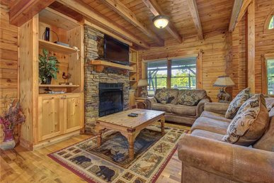Natures Paradise, 4 Bedroom, Fireplace, Sleeps 14