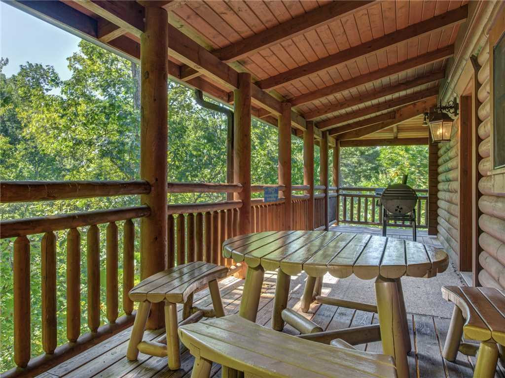 Photo of a Sevierville Cabin named Natures Paradise - This is the twenty-fifth photo in the set.