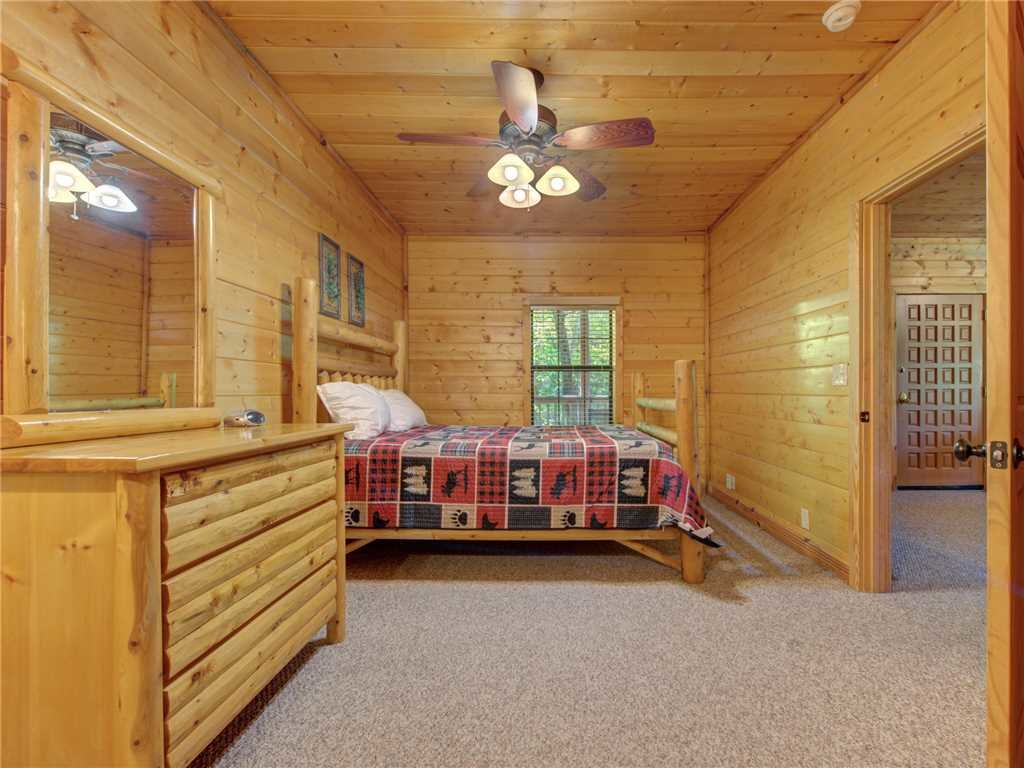 Photo of a Sevierville Cabin named Natures Paradise - This is the fifteenth photo in the set.
