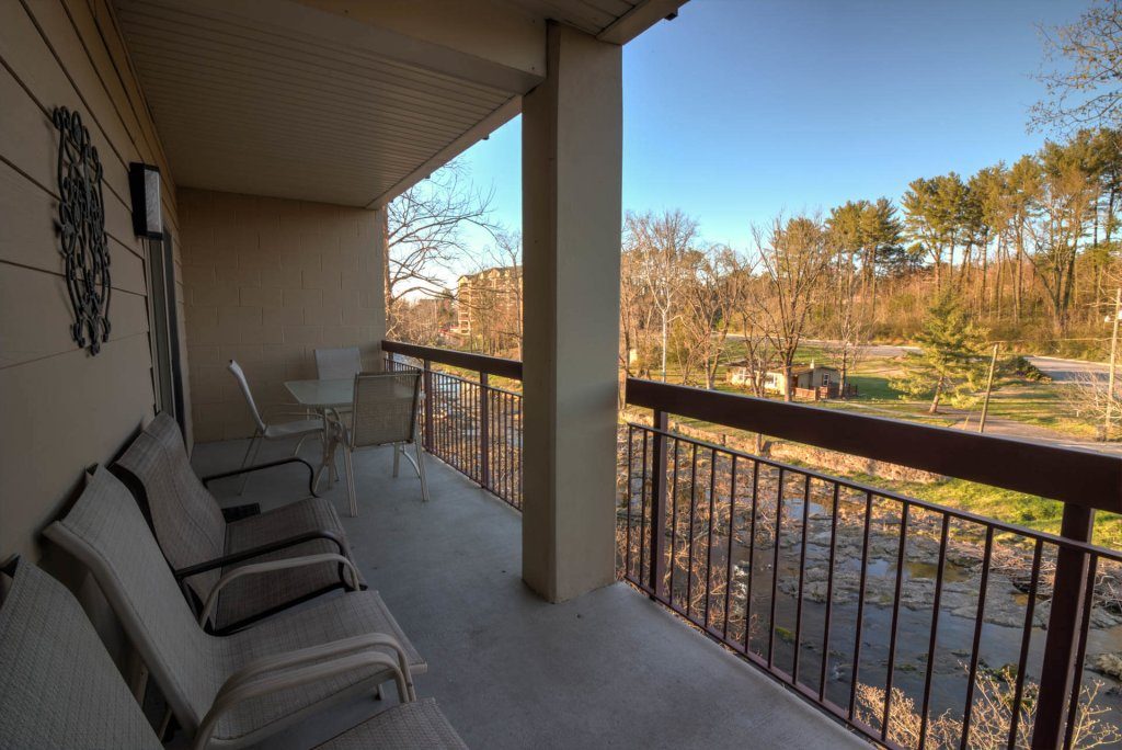 Photo of a Pigeon Forge Condo named Cedar Lodge 201 - This is the seventeenth photo in the set.