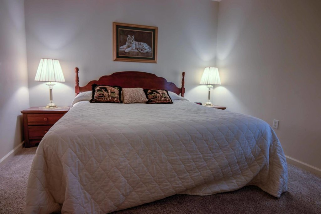 Photo of a Pigeon Forge Condo named Whispering Pines 243 - This is the third photo in the set.