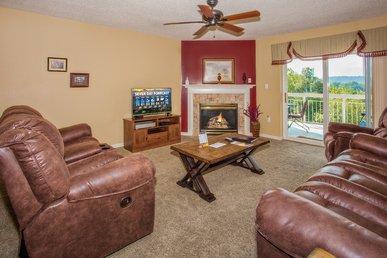 2 Br, Mtn View, Downtown Pigeon Forge, Pools Open,deep Aug Discounts