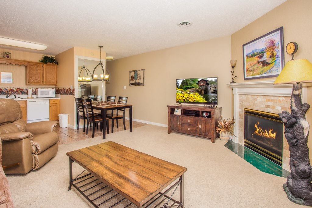 Photo of a Pigeon Forge Condo named Whispering Pines 451 - This is the first photo in the set.