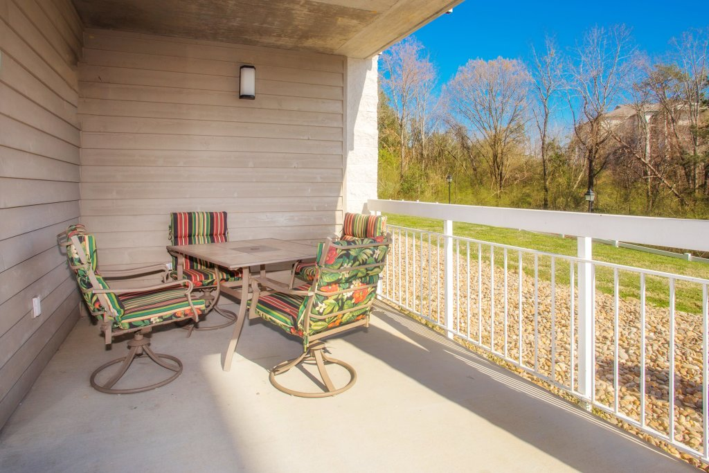 Photo of a Pigeon Forge Condo named Whispering Pines 413hc - This is the fifteenth photo in the set.