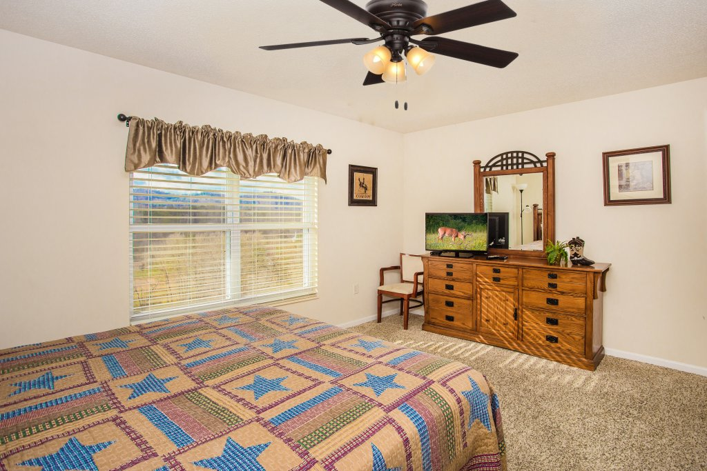 Photo of a Pigeon Forge Condo named Whispering Pines 651 - This is the twelfth photo in the set.