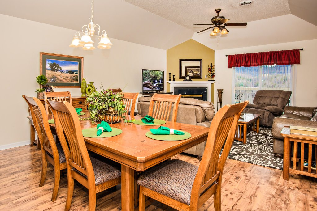 Photo of a Pigeon Forge Condo named Whispering Pines 651 - This is the fifth photo in the set.