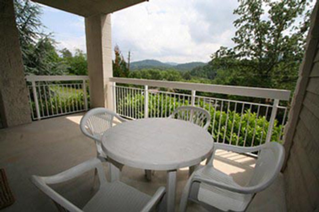 Photo of a Pigeon Forge Condo named Whispering Pines 513 - This is the twenty-seventh photo in the set.