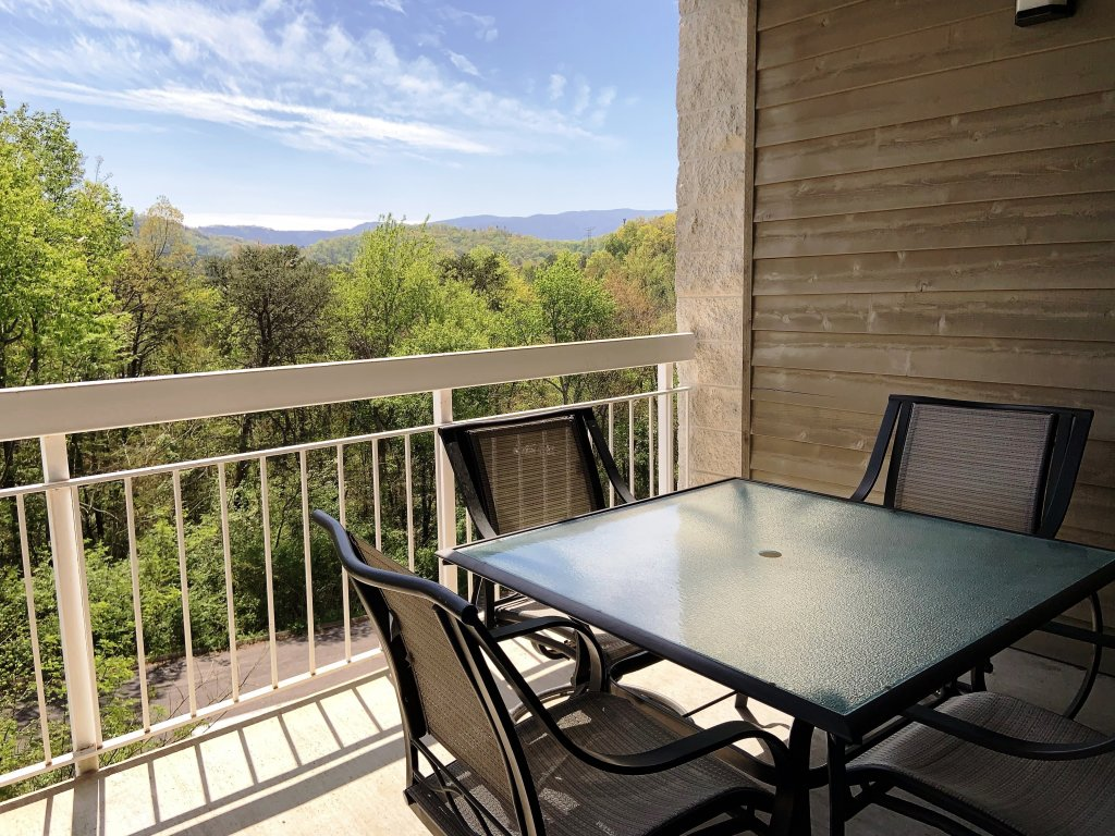 Photo of a Pigeon Forge Condo named Whispering Pines 343 - This is the twenty-second photo in the set.