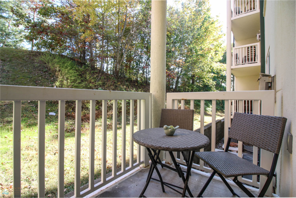 Photo of a Pigeon Forge Condo named 2103 Golf View Towers Lazy Bears Den - This is the nineteenth photo in the set.