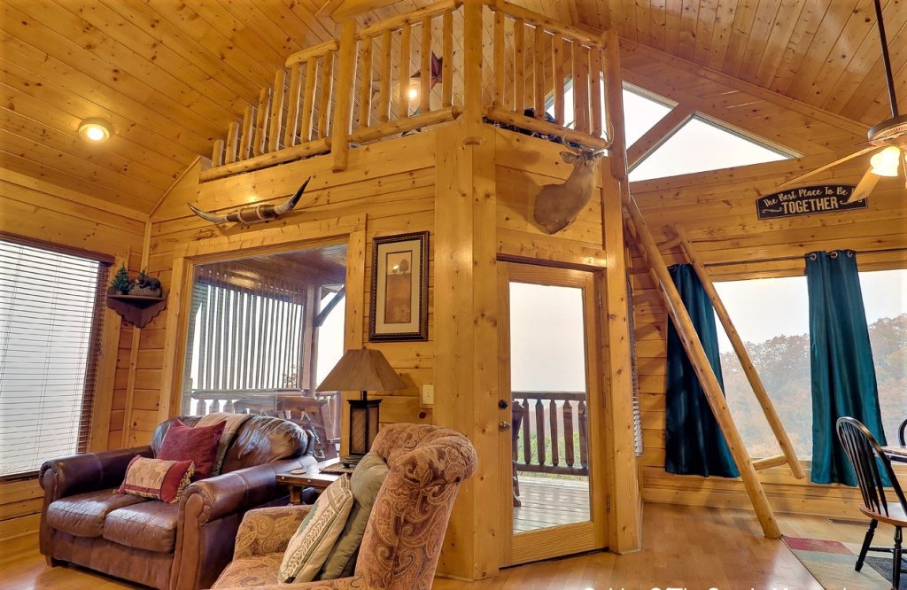 Photo of a Pigeon Forge Cabin named A Natural High - This is the seventeenth photo in the set.