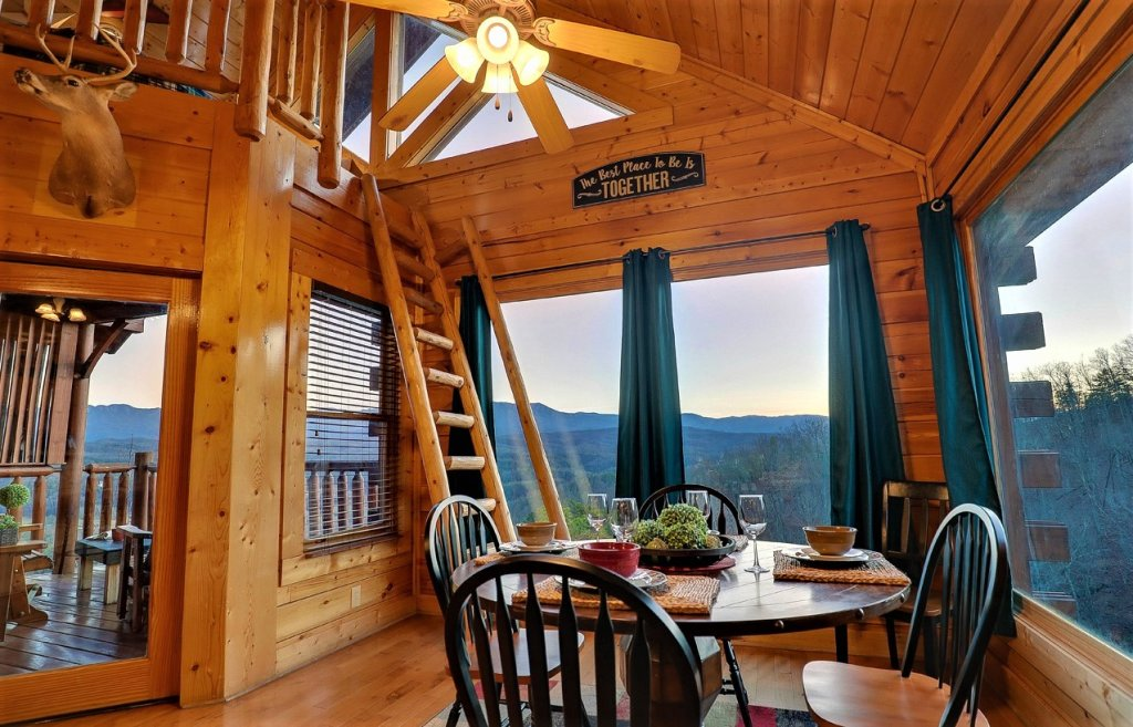 Photo of a Pigeon Forge Cabin named A Natural High - This is the twenty-second photo in the set.