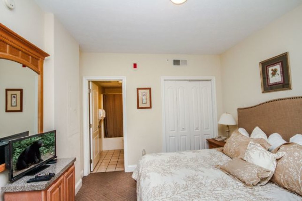 Photo of a Pigeon Forge Condo named 1103 Golf View Towers Smoky Bear - This is the twentieth photo in the set.