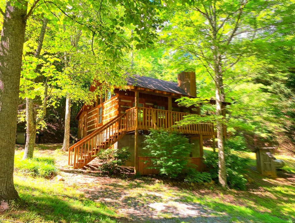 Photo of a Sevierville Cabin named Daze Off #106 - This is the first photo in the set.