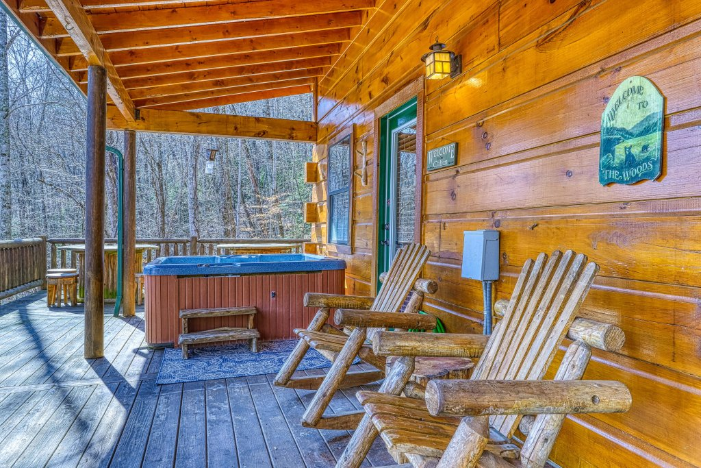 Photo of a Pigeon Forge Cabin named Moonshine Ridge - This is the nineteenth photo in the set.