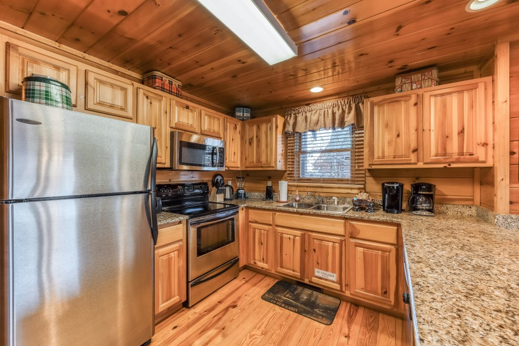 Photo of a Pigeon Forge Cabin named Mountain Dreams At Sherwood - This is the ninth photo in the set.