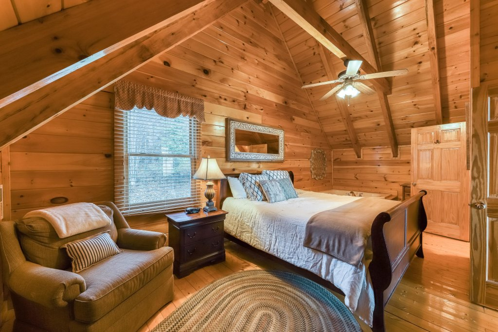 Photo of a Pigeon Forge Cabin named Mountain Dreams At Sherwood - This is the fifteenth photo in the set.