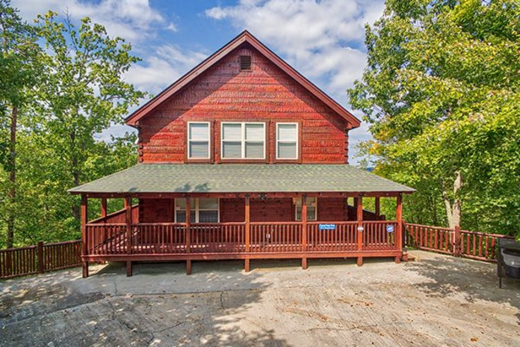 Photo of a Pigeon Forge Cabin named Pigeon Forge View - This is the second photo in the set.