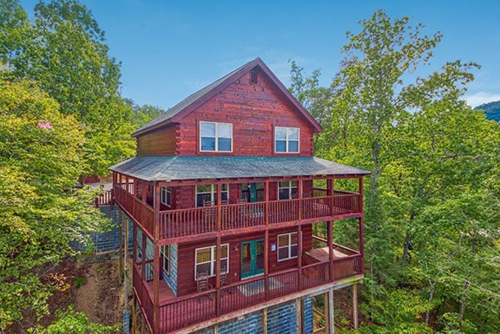 Photo of a Pigeon Forge Cabin named Pigeon Forge View - This is the first photo in the set.