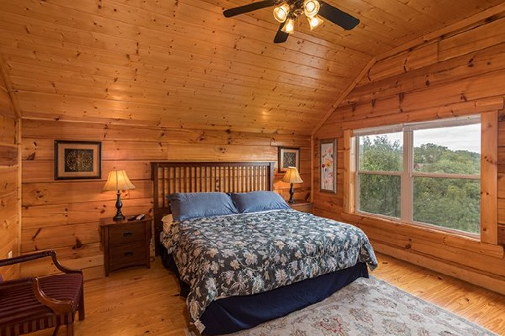 Photo of a Pigeon Forge Cabin named Pigeon Forge View - This is the fourteenth photo in the set.