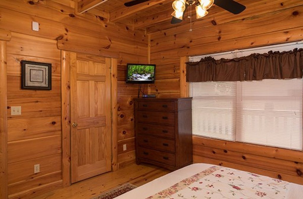 Photo of a Pigeon Forge Cabin named Pigeon Forge View - This is the tenth photo in the set.