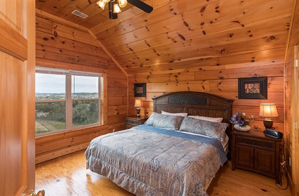 Photo of a Pigeon Forge Cabin named Pigeon Forge View - This is the sixteenth photo in the set.