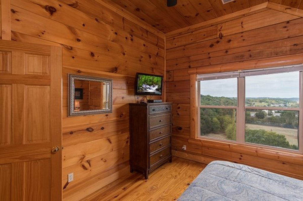 Photo of a Pigeon Forge Cabin named Pigeon Forge View - This is the seventeenth photo in the set.