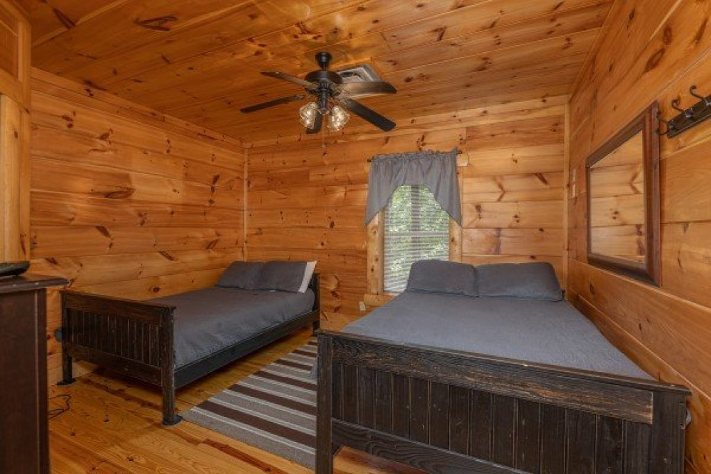 Photo of a Pigeon Forge Cabin named Pigeon Forge View - This is the thirtieth photo in the set.
