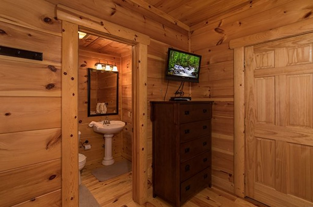 Photo of a Pigeon Forge Cabin named Pigeon Forge View - This is the thirty-third photo in the set.
