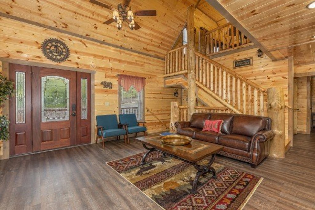 Photo of a Pigeon Forge Cabin named Alpine Adventure - This is the third photo in the set.