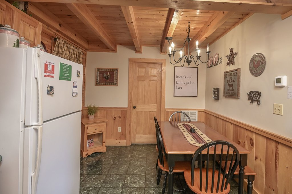 Photo of a Pigeon Forge Cabin named  Treasured Times - This is the one thousand and sixty-second photo in the set.