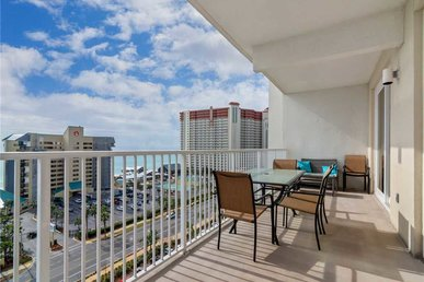 Laketown Wharf 910, 2 Bedrooms, Gulf Views, 5 Pools, Wi-fi, Sleeps 8