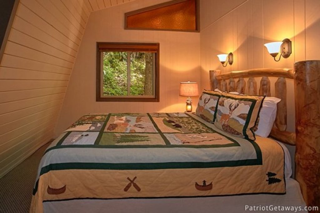Photo of a Gatlinburg Cabin named Gatlinburg Lodge - This is the twenty-first photo in the set.