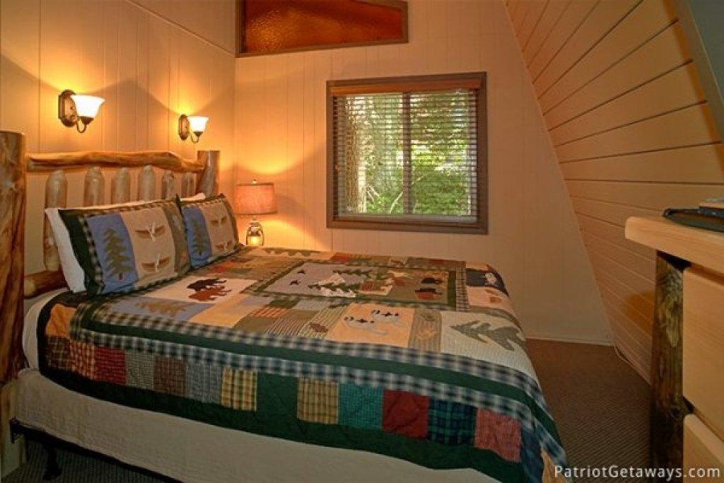 Photo of a Gatlinburg Cabin named Gatlinburg Lodge - This is the twenty-third photo in the set.