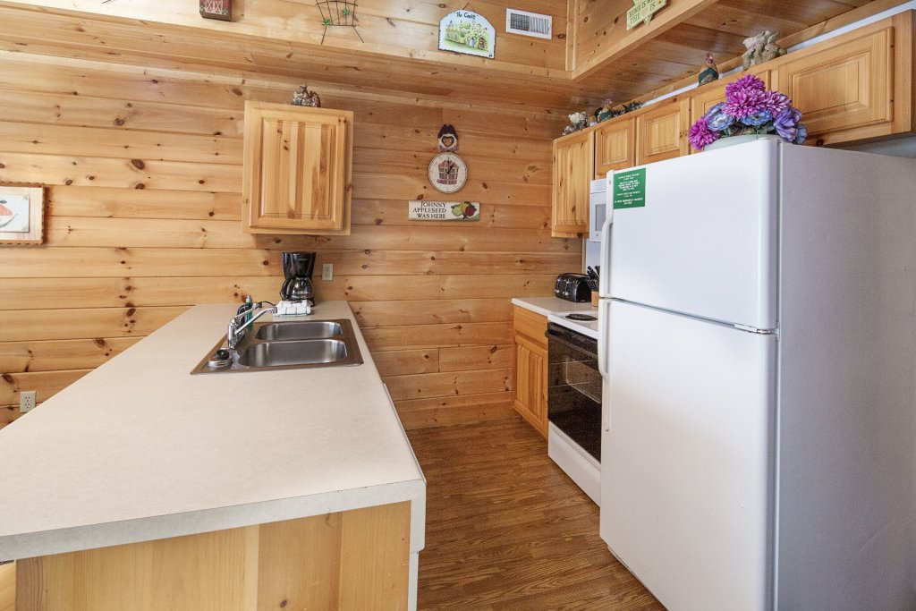 Photo of a Pigeon Forge Cabin named  Black Bear Hideaway - This is the six hundred and twenty-seventh photo in the set.