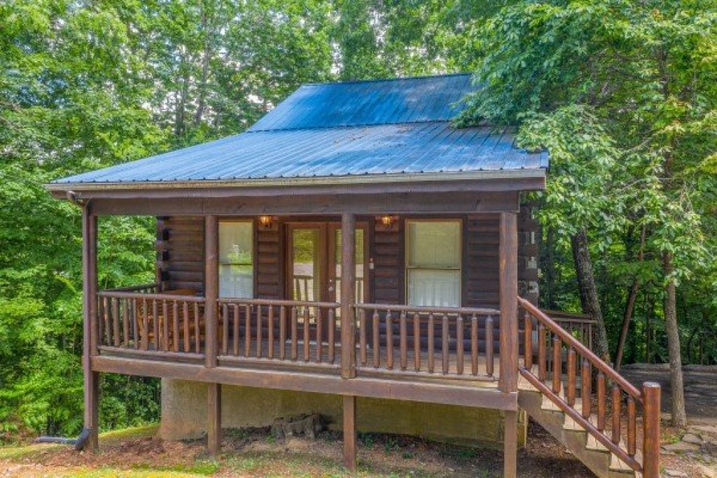 Photo of a Gatlinburg Cabin named Moonlight In The Boondocks - This is the twentieth photo in the set.