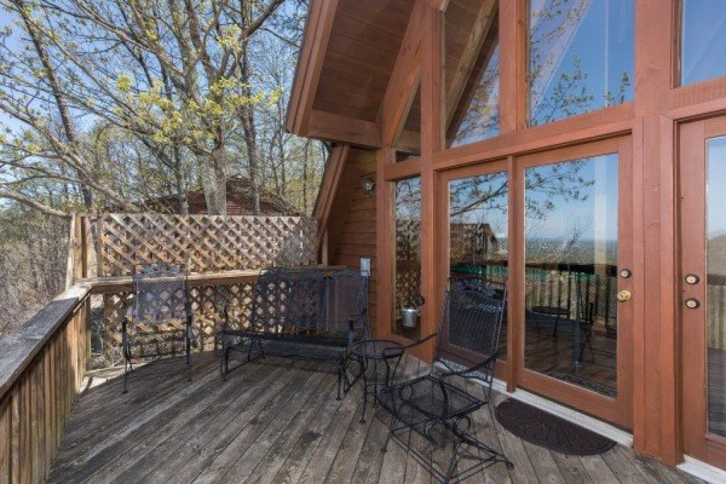 Photo of a Pigeon Forge Cabin named Cozy Mountain View - This is the second photo in the set.