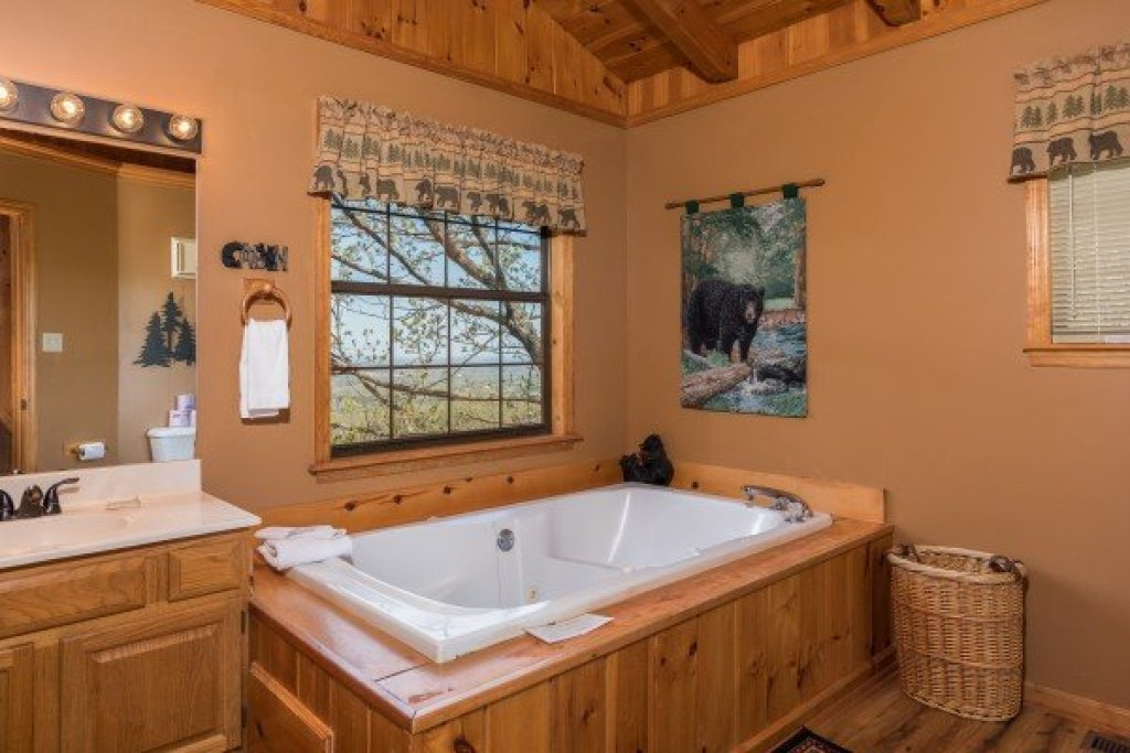 Photo of a Pigeon Forge Cabin named Cozy Mountain View - This is the tenth photo in the set.